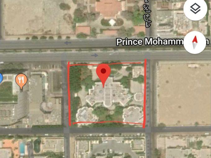 للبيع ارض تجارية 8700م شارع التحلية جدة